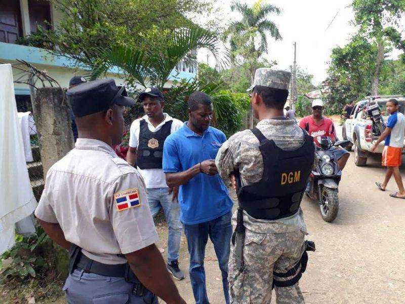 Detienen 939 extranjeros durante operativos en Samaná DR