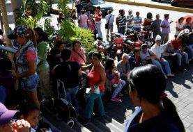 ¿Por qué hay largas filas en supermercados de Venezuela?
