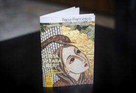 """Papa Francisco censura las """"noticias falsas"""""""