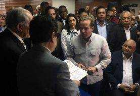 Paliza, Fulcar, Sanz Lovatón y otros dirigentes inscriben candidaturas