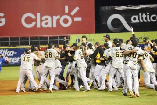 Águilas Cibaeñas campeones! : Betancourt más valioso