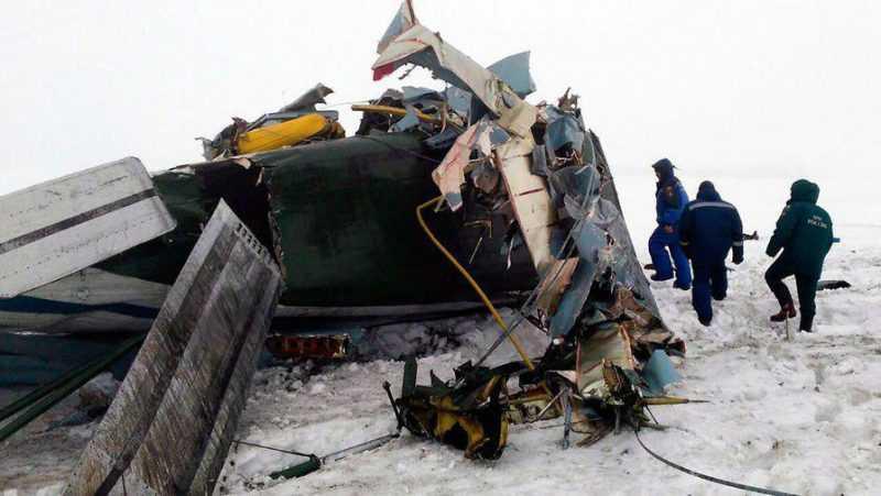 Avión se estrella cerca de Moscú, hay 71 muertos