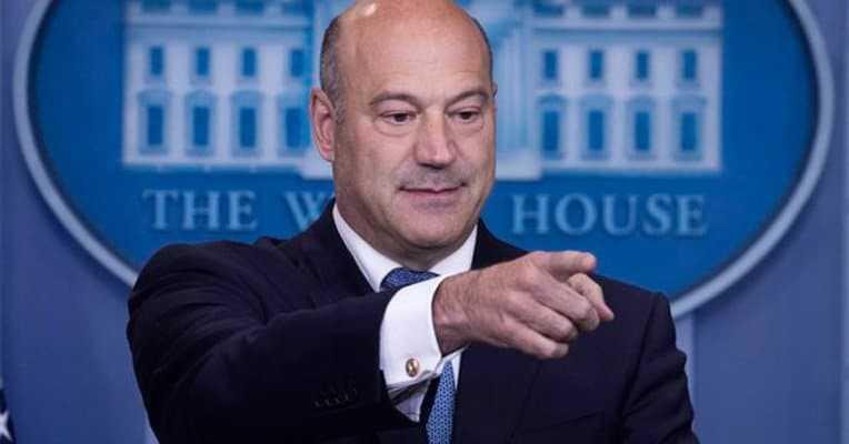 Dimite asesor económico del presidente Trump