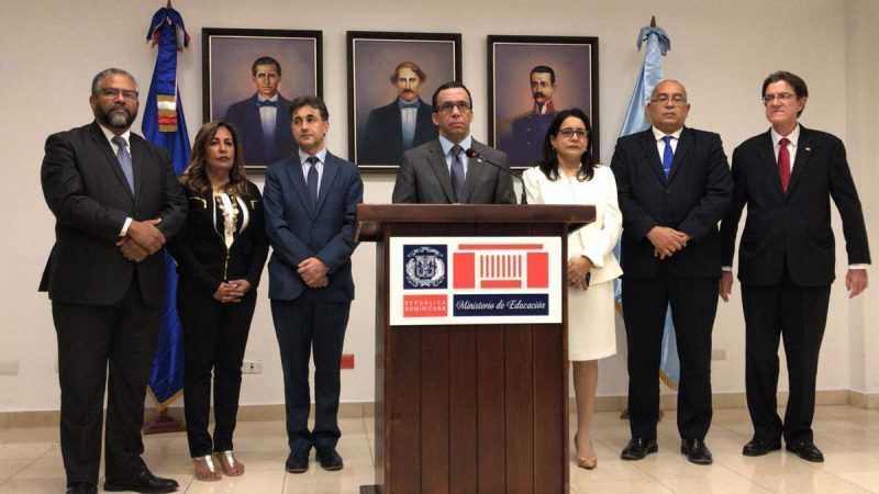 Andrés Navarro designa 18 Directores Regionales