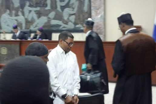 Jueces dejan en libertad a Quevedo y al regidor Ericson de los Santos