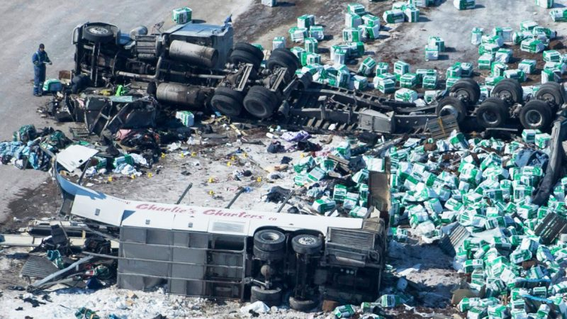 Al menos 14 muertos  accidente de autobús en Canadá