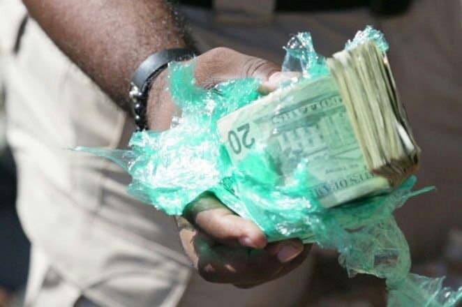 Realizan allanamientos por US$1.4 millones encontrados en Haina