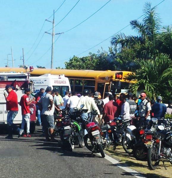 Dos muertos y 17 heridos accidente de tránsito Cabarete