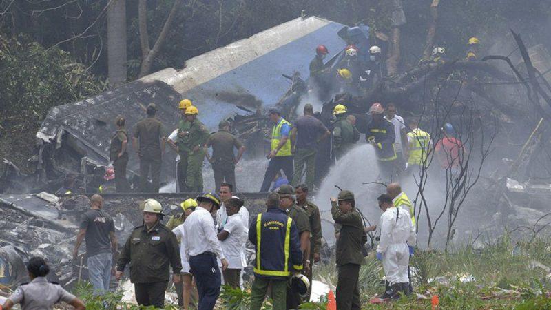 Avión de Cubana de Aviación  se estrella en La Habana