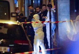Dos muertos y varios heridos en un ataque con cuchillo en París