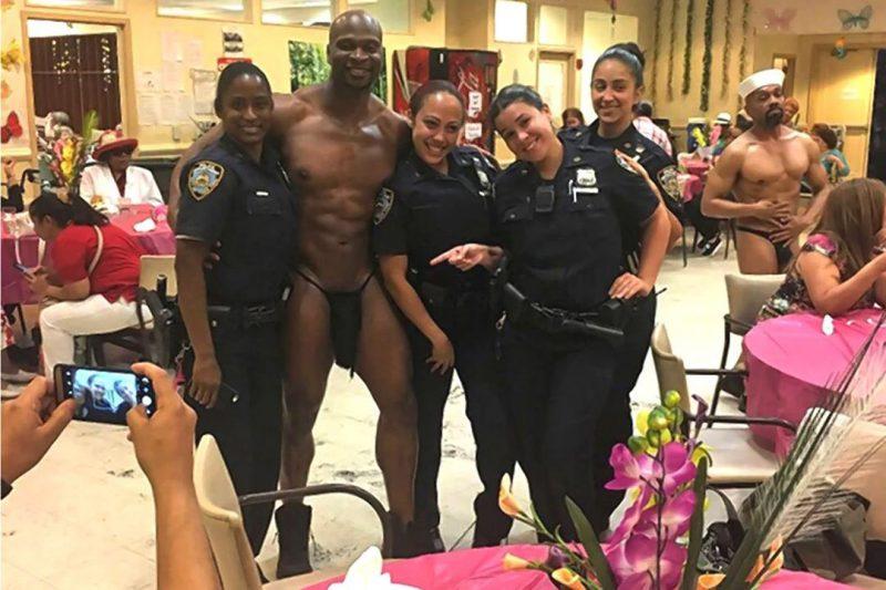 Suspenden policías dominicanas por posar con stripper