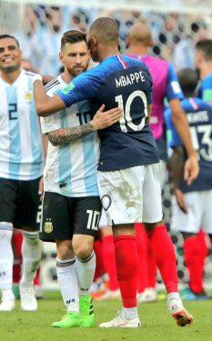 Francia vence a Argentina 4-3