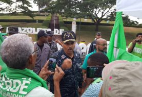 Policía prohíbe Campamento Verde en Santiago