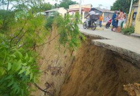Lluvias incrementan derrumbes en el Alto de Elías