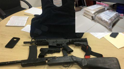 DNCD incauta drogas y armas de alto calibre