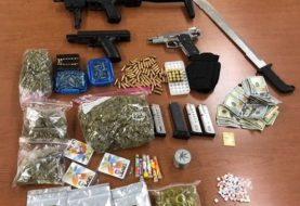 Apresan hispanos en Passaic con drogas, armas y balas