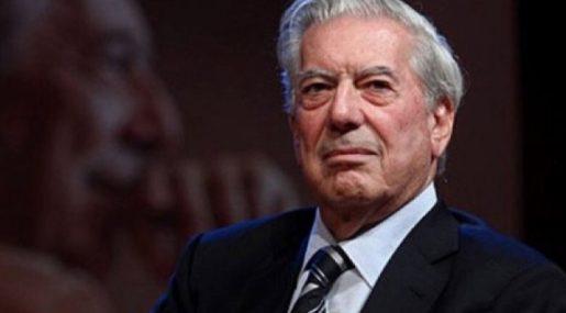 Vargas Llosa hospitalizado tras sufrir caída en su casa