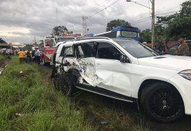 Un muerto en choque varios vehículos incluyendo dos de Don Miguelo