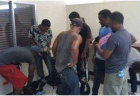 Haití entrega 8 polizones dominicanos