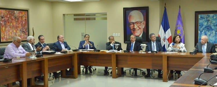PLD sustituye a Félix Bautista y Díaz Rúa; ratifican a Pared Pérez