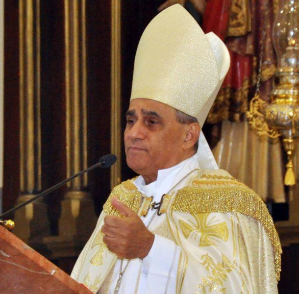 Monseñor Bretón critica apego al poder