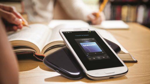 Niños franceses no podrán llevar celulares a las escuelas
