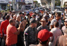 Choferes paralizaron varias rutas en Santiago