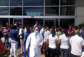 Conato de incendio provoca pánico en clínica Corominas