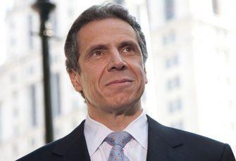 Cuomo urge aumentar capacidad hospiales NY por covid-19