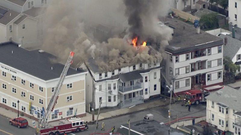 Lawrence: Tres vecindarios evacuados por explosiones de gas