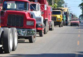 Camioneros mantienen llamado a paro por 72 horas