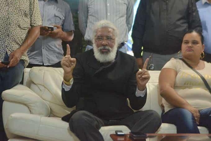 """De """"mareo"""" tilda Hubieres diálogo Gobierno"""