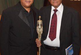 Negro Veras recibe reconocimiento en NY