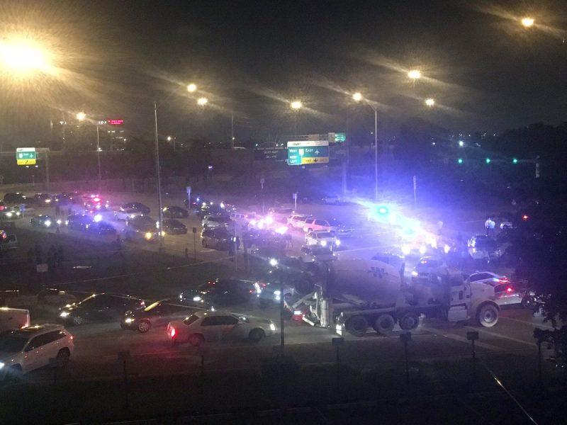 Hombre muere después de disparar contra policías en Miami