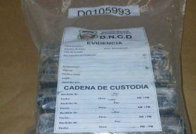 Apresan hombre con 4 kilos de cocaína en Los Mina