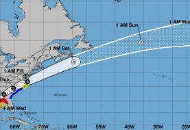Michael se desplaza como huracán categoría 4
