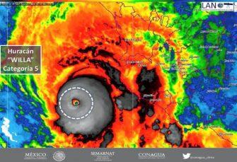 Willa se convierte en potente huracán categoría 5