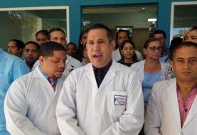 Médicos Valverde inician paro indefinido