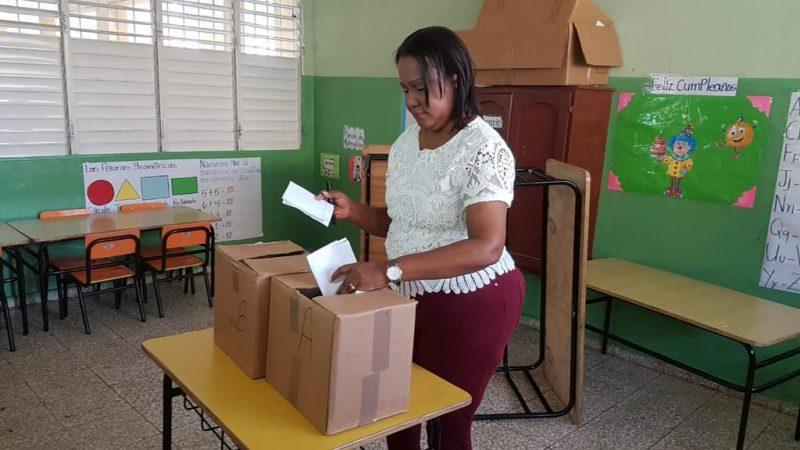 Xiomara Guante encabeza votaciones ADP