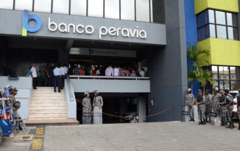 Extitular Banco Peravia acusado de conspiración lavado de dinero