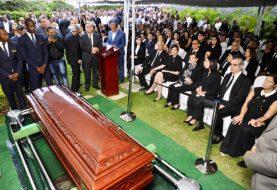 Sepultan restos exsenador José Rafael Abinader