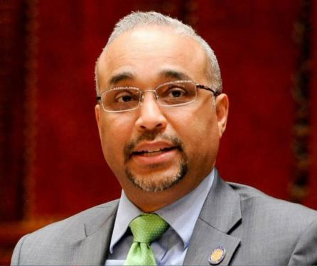Velarán este lunes restos del senador José Peralta en Queens