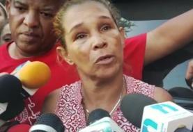 Familiares buscan desaparecidos tras explosión en Polyplas