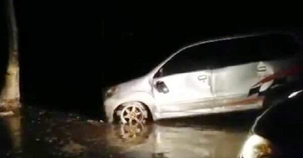 Tsunami en Indonesia deja al menos 20 muertos