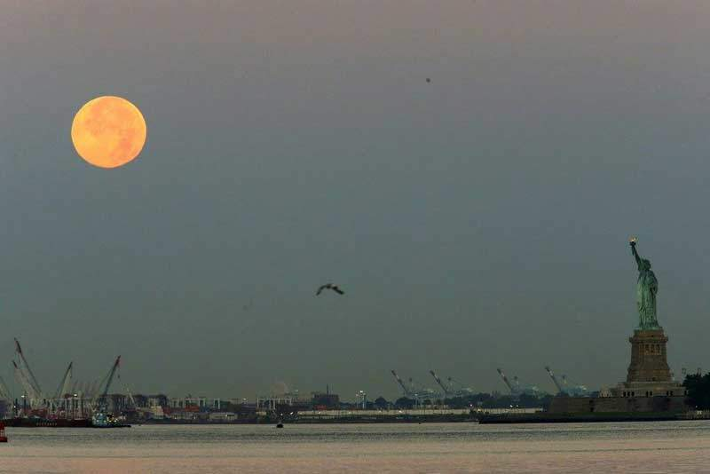 Dominicanos no pudieron ver eclipse lunar en Nueva York