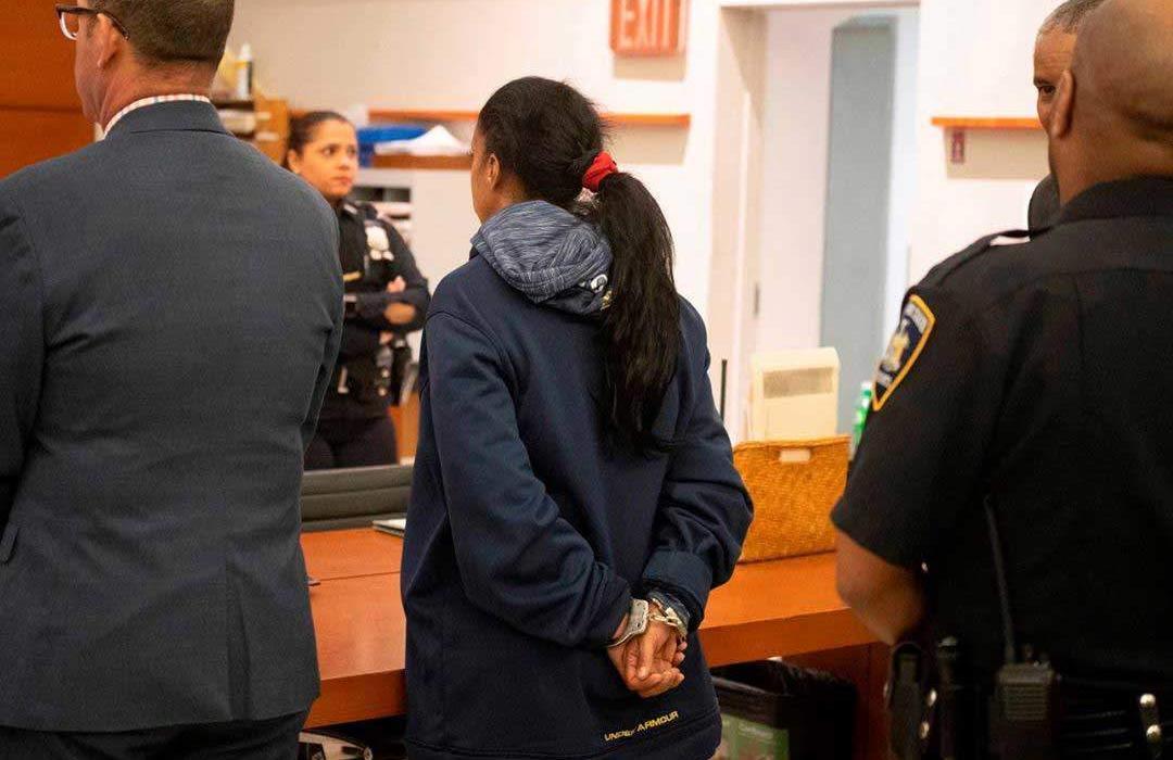 Tribunal EEUU otorga fianza a falsa cirujana dominicana