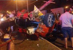 Dos muertos y una mujer herida en accidente de tránsito