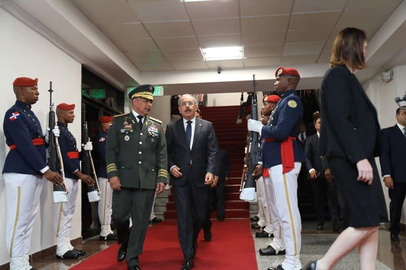 Presidente Medina regresó anoche de Italia
