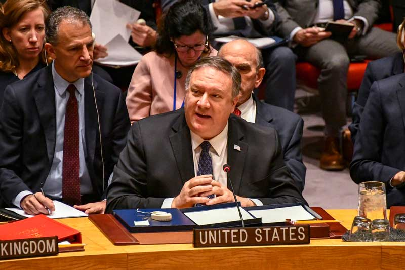 EE.UU. anuncia que se retira de tratado nuclear con Rusia