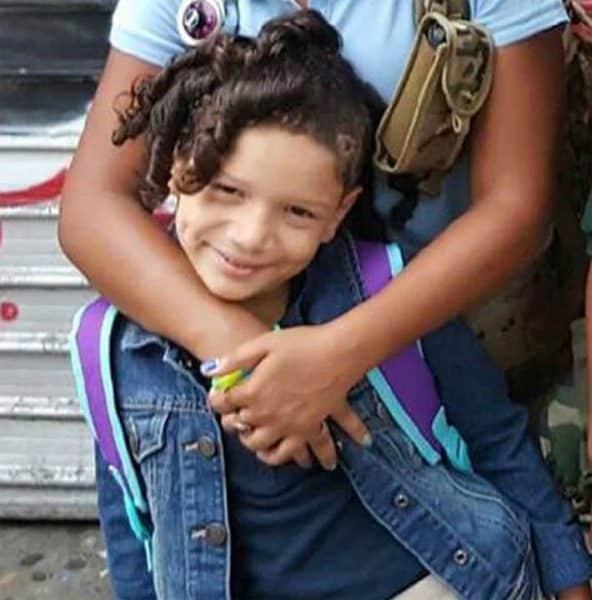 Niña de 9 años se suicida porque su madre le prohibió usar celular